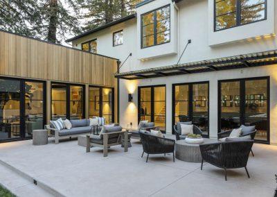 Arboretum House patio